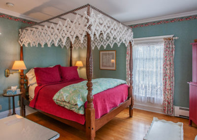 White Lace Inn room-01, Sturgeon Bay, WI