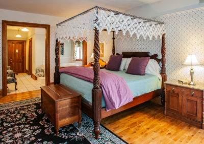 White Lace Inn, room-19, Sturgeon Bay, WI