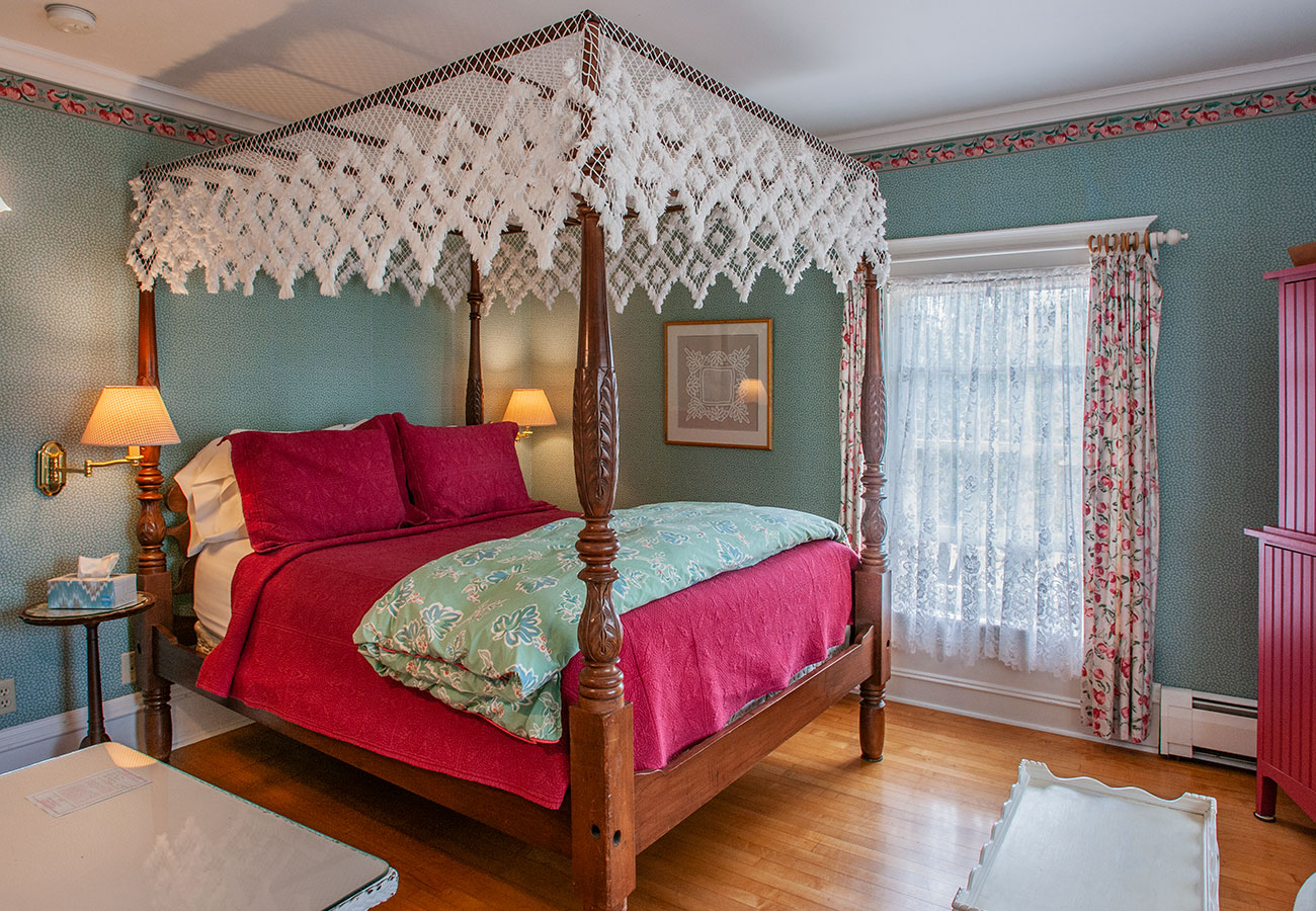 White Lace Inn Country Orchard Suite photo