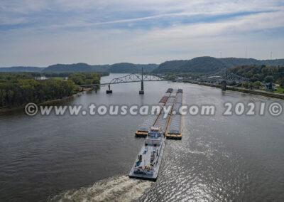 Lexington Tug-American Commercial Barge photo